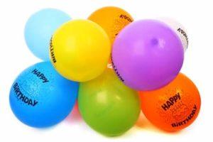 Kinderspiel-Luftballonlauf